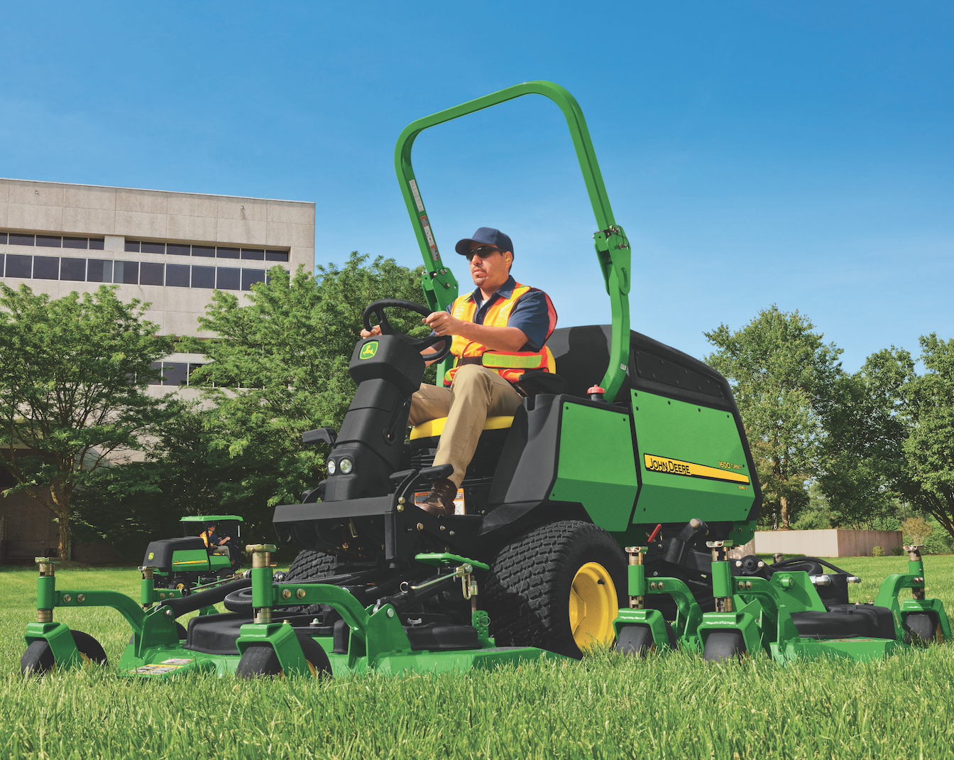 Wide-Area Commercial Mowers