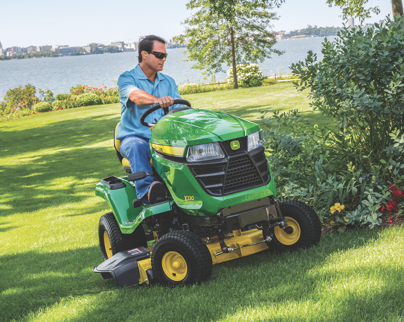 Select Series Lawn Tractor